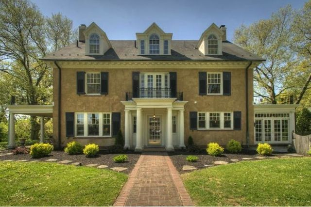 taylor swift's childhood home, located at 78 grandview boulevard in reading, pennsylvania