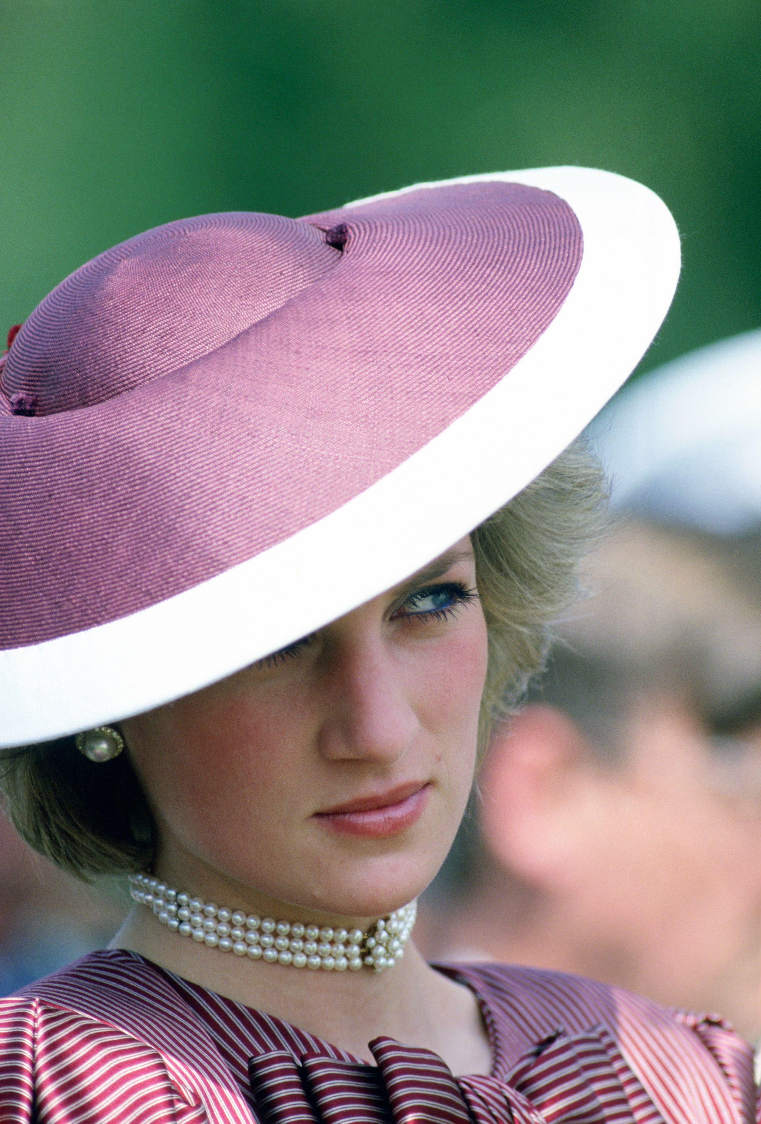 Princess Diana\'s Most Beautiful Jewelry - Will Meghan Markle Get ...