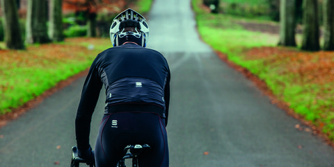 Cycling, Road cycling, Vehicle, Bicycle, Outdoor recreation, Recreation, Helmet, Endurance sports, Road, Individual sports,