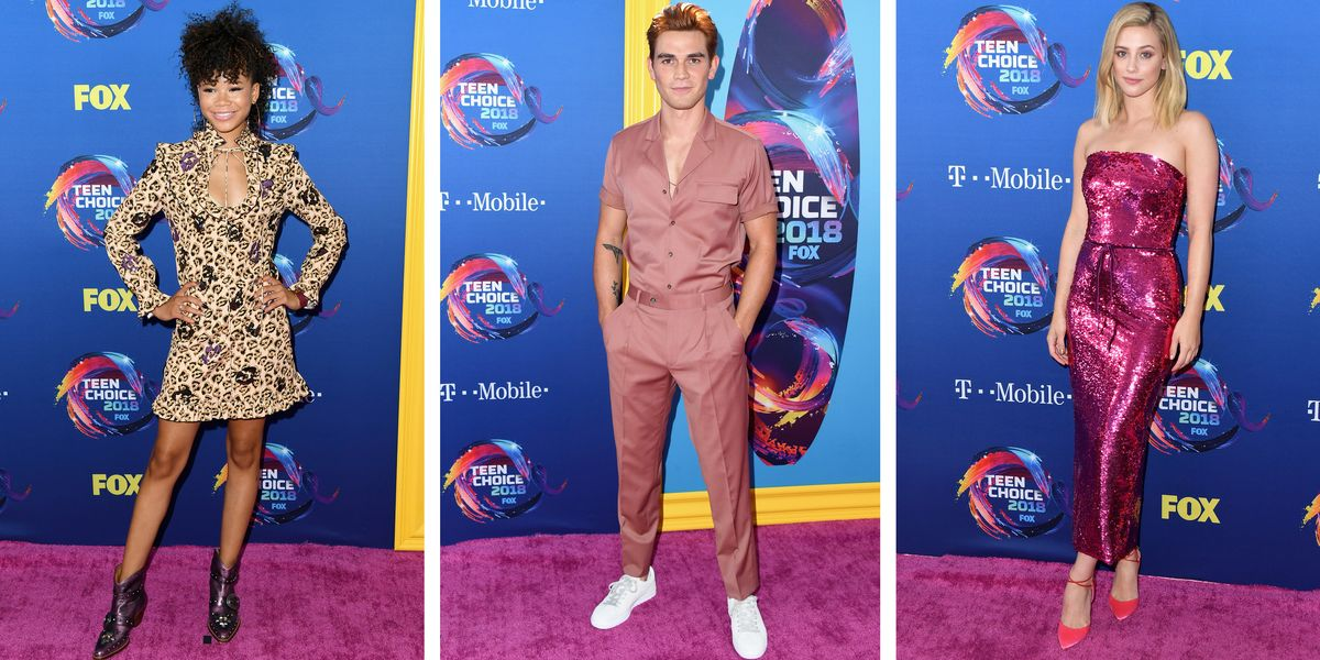 Every Gorgeous Look From the 2018 Teen Choice Awards Red Carpet