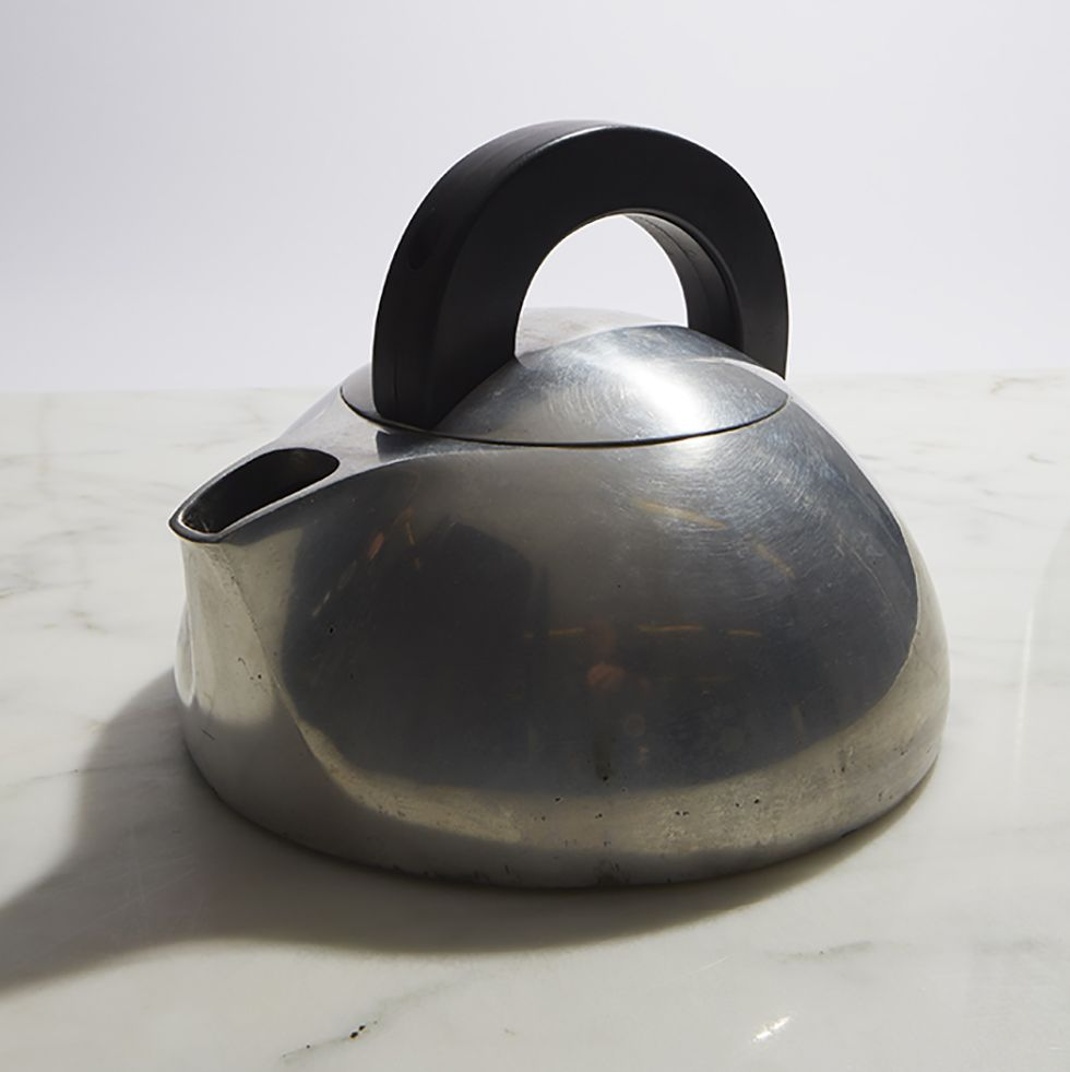 The Magnalite Tea Kettle Is the Design World's Favorite Kitchen Gadget