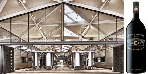 Building, Ceiling, Architecture, Lighting, Daylighting, Metal, Roof, Lobby, Beam, Interior design,