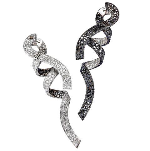 Jewellery, Diamond, Fashion accessory, Body jewelry, Silver, Metal, Finger, Ear, Earrings, Engagement ring,