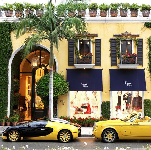 Land vehicle, Vehicle, Car, Sports car, Supercar, Automotive design, Yellow, Luxury vehicle, Coupé, Performance car,