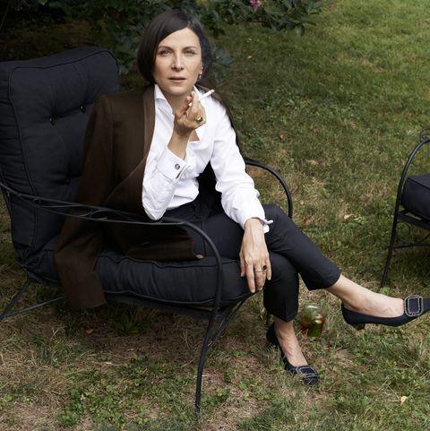 Sitting, Grass, Lawn, Botany, Leg, Spring, Furniture, Yard, Tree, Photography,