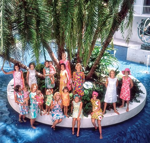 Social group, Dance, Vacation, Tree, Leisure, Fun, Event, Summer, Performing arts, Tourism,
