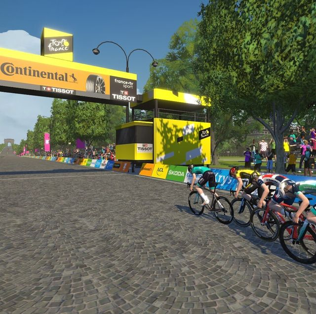 screenshot of champs elysees in zwift's virtual tour de france