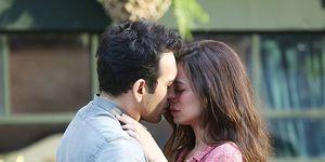 Buğra Gülsoy yÖzge Özpirinçci en la película turca 'Te amaré toda la vida' ('Aci Tatli Eksi')