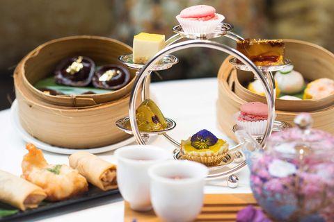 Porcelain, Brunch, Meal, Dish, Food, Cuisine, Dim sum, Tableware, Kaiseki, Tea set,