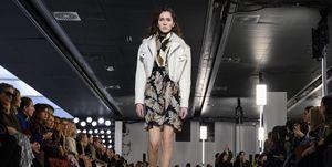 Giambattista Valli : Runway - Paris Fashion Week Womenswear Fall/Winter 2019/2020