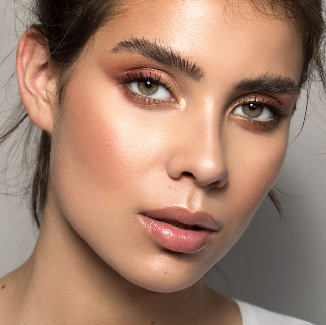 woman with full, thick eyebrows