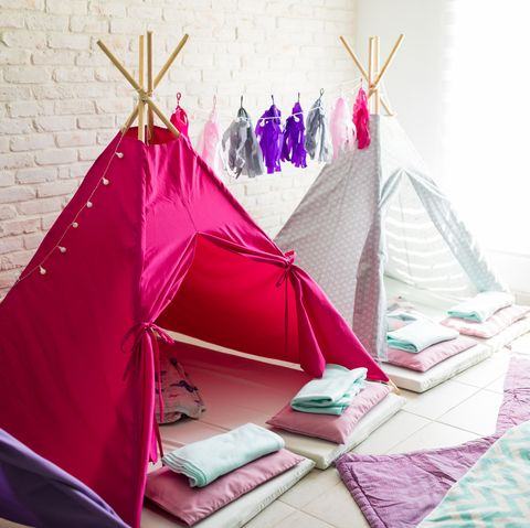 Fun Things to Do at a Sleepover - Indoor Camping