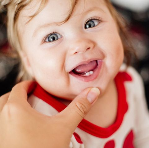 9 signs your baby is teething and how to manage it