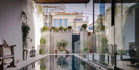 A Tel Aviv, una casa a patio