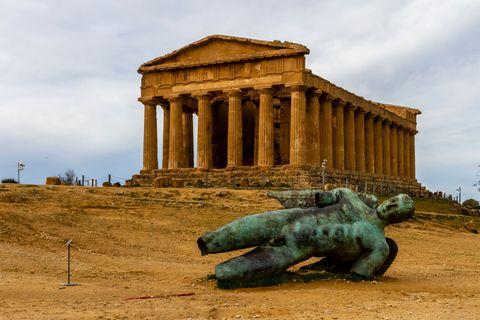 agrigento valle dei templi tempio della concordia icaro caduto sicilia archeologia