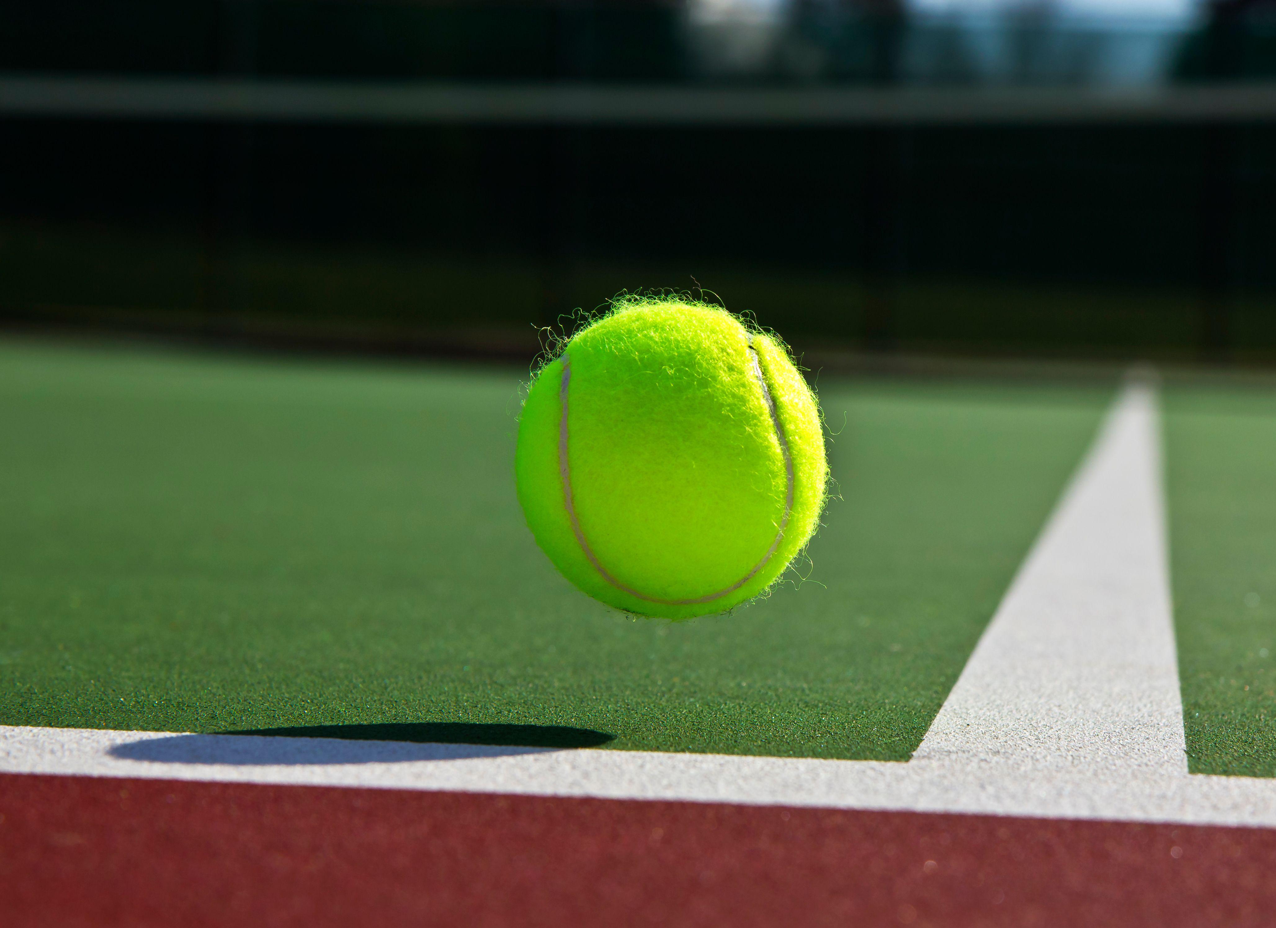 Dr Pimple Popper Pops Tennis Ball Lipoma In Season 4 Ep