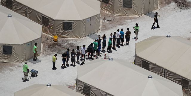 An Expert on Concentration Camps Says That's Exactly What the U.S. Is Running at the Border