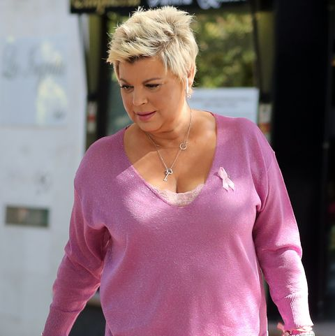 Hair, Clothing, Pink, Blond, Beauty, Fashion, Shoulder, Neck, Arm, Hairstyle,