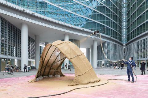 Sculpture, Architecture, Art, Tree, Pavilion, Visual arts, Leisure, City, Tourism,