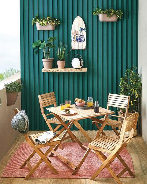 muebles de exterior comedor de madera en la terraza