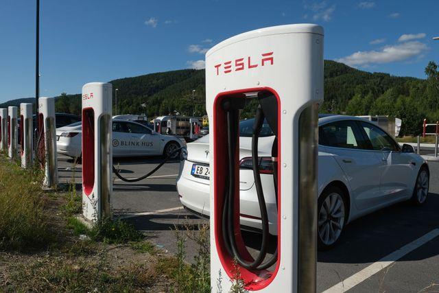 tesla superchargers in norway