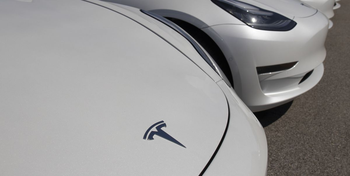 Tesla Announces It Will Cut Battery Cost Per KwH in Half