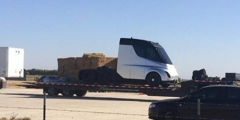 tesla semi truck first photos of elon musk 39 s new tesla truck. Black Bedroom Furniture Sets. Home Design Ideas
