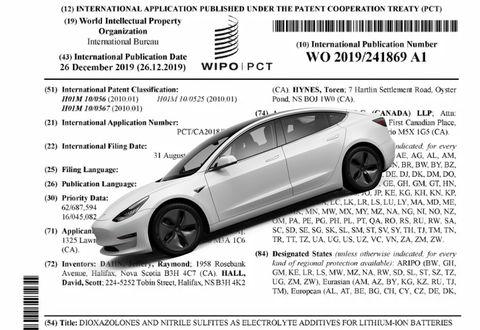 Vehicle, Motor vehicle, Automotive design, Car, Mid-size car, Transport, Luxury vehicle, Vehicle door, Automotive wheel system, Rim,
