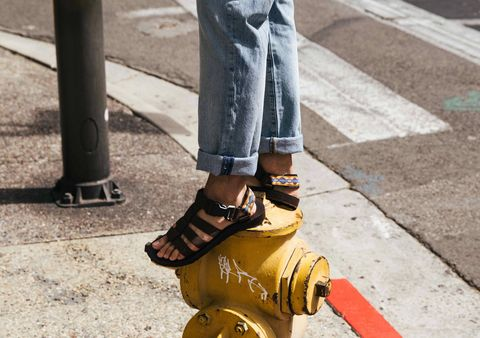Street fashion, Yellow, Footwear, Shoe, Ankle, Jeans, Fashion, Human leg, Leg, Sock,