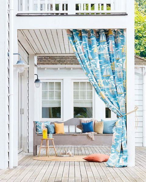 porche con cortinas de exterior