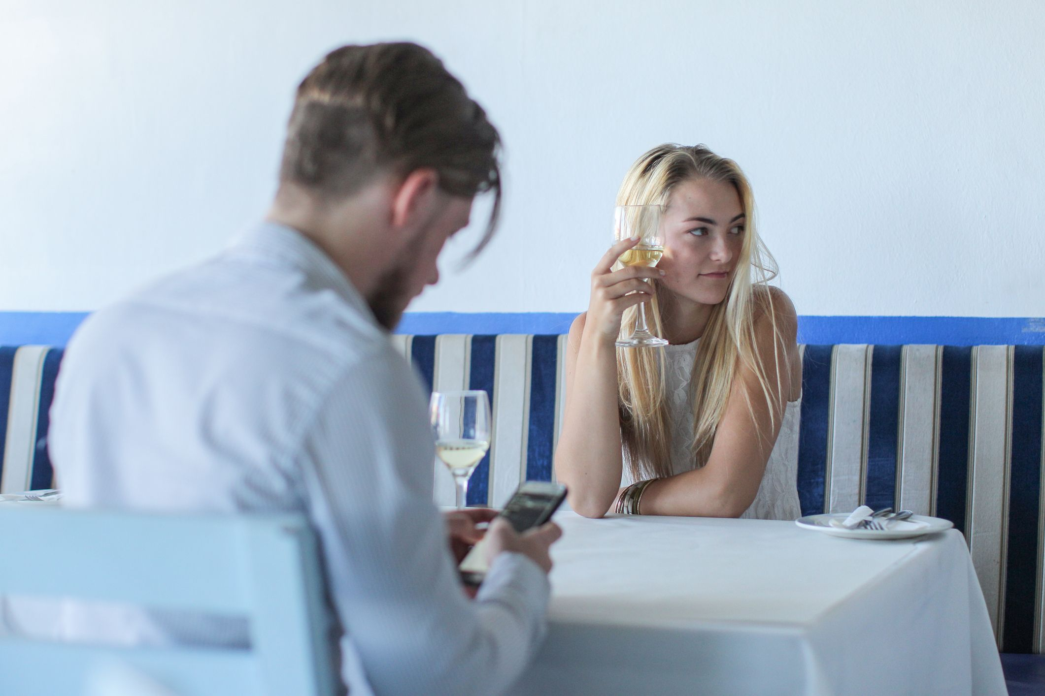 These Are Some of the Most Common First Date Dealbreakers