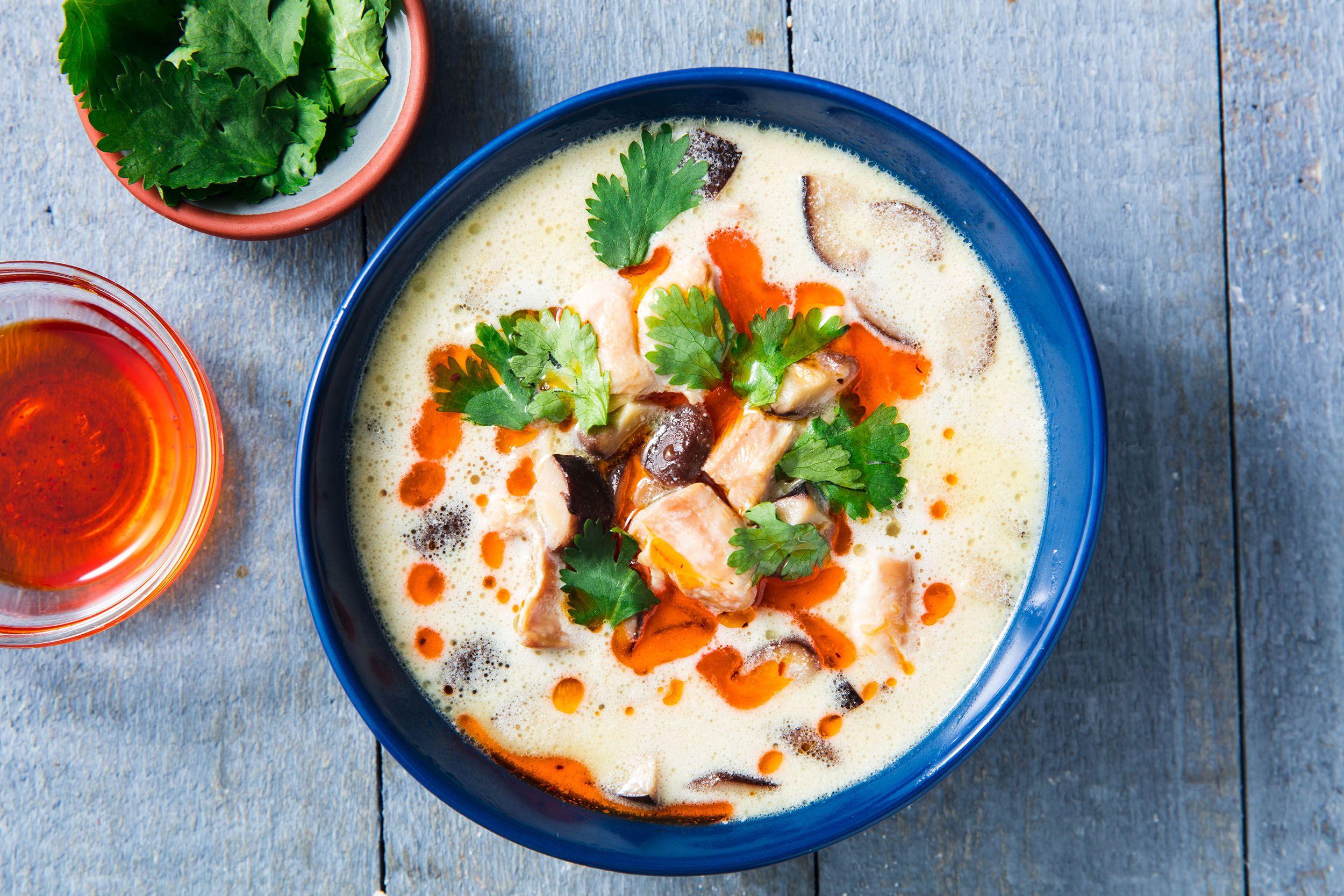 https://hips.hearstapps.com/hmg-prod.s3.amazonaws.com/images/thai-chicken-coconut-soup-horizontal-1526596737.jpg