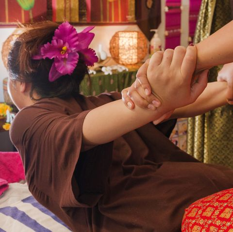 thai massage benefits and how it works