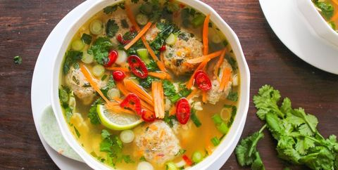 Dish, Food, Cuisine, Ingredient, Soup, Thai curry, Produce, Tom kha kai, Vegetable, Caldo de pollo,