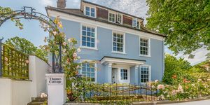 Thames Cottage - London - property - Knight Frank