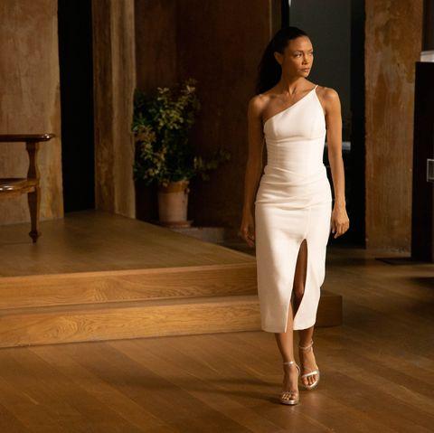 White, Shoulder, Floor, Fashion model, Fashion, Beauty, Dress, Flooring, Joint, Leg,
