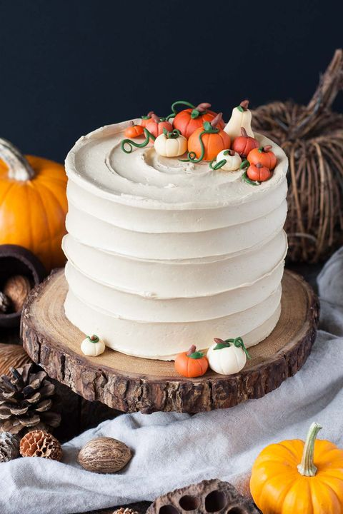 thanksgiving cakes pumpkin spice