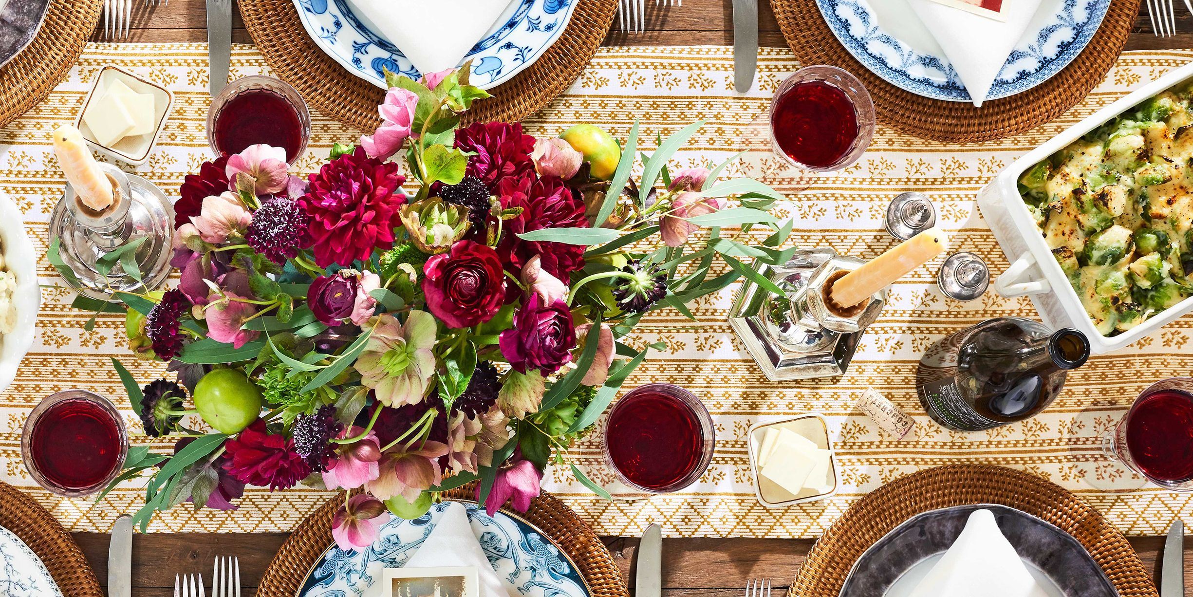 50+ Thanksgiving Centerpieces That Will Make Your Table Shine