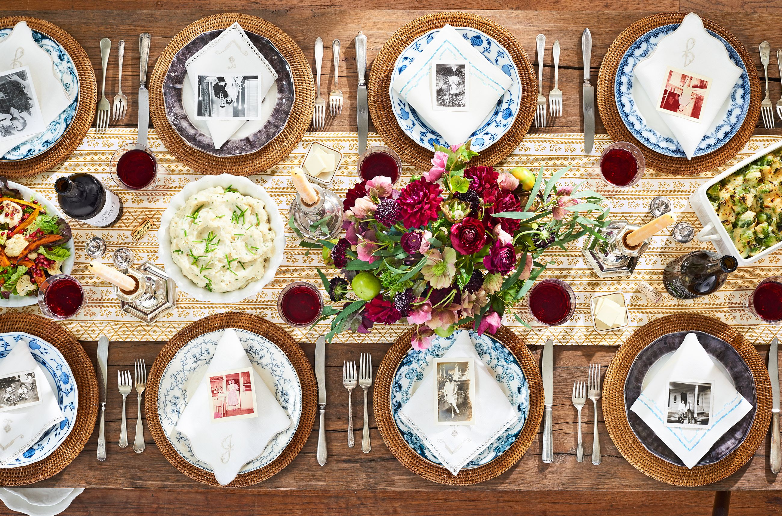 40+ Easy Thanksgiving Centerpieces for Your Holiday Table - DIY Thanksgiving  Table Decoration Ideas