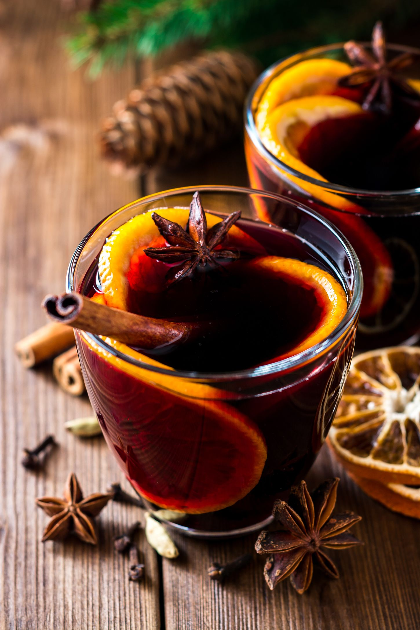 citrusy mulled wine thanksgiving cocktail