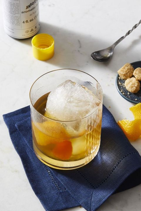 thanksgiving cocktails classic old fashioned