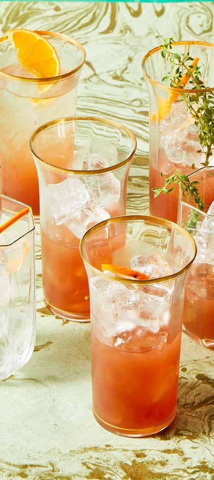 thanksgiving cocktails pomegranate thyme spritz