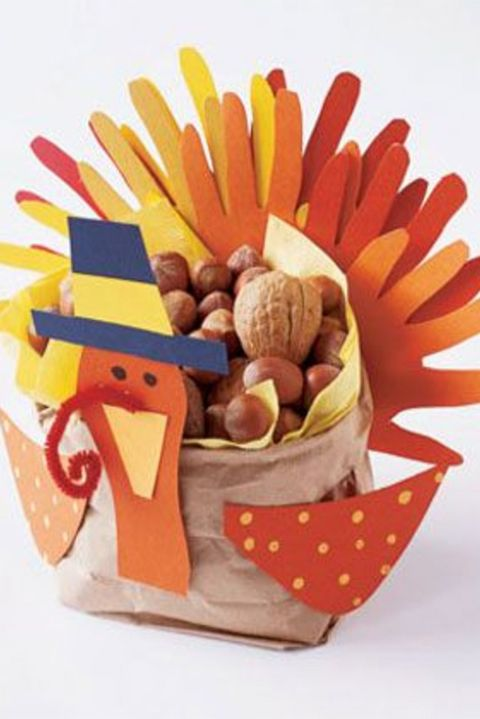 thanksgiving-crafts-as-decorations-turkey-centerpiece