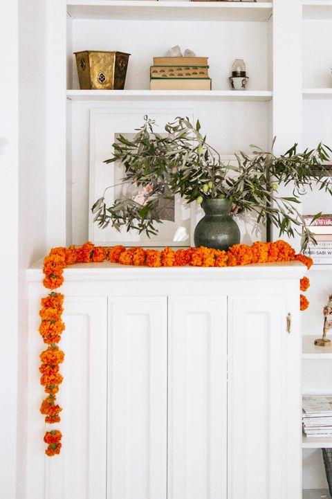 diy marigold garland