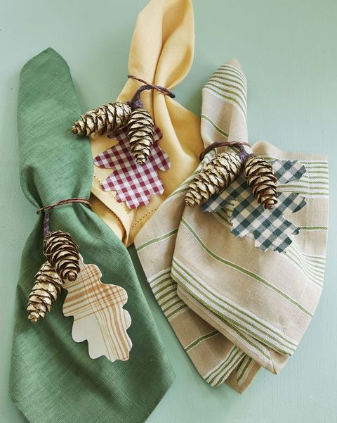 thanksgiving decorations napkin rings with pine cones