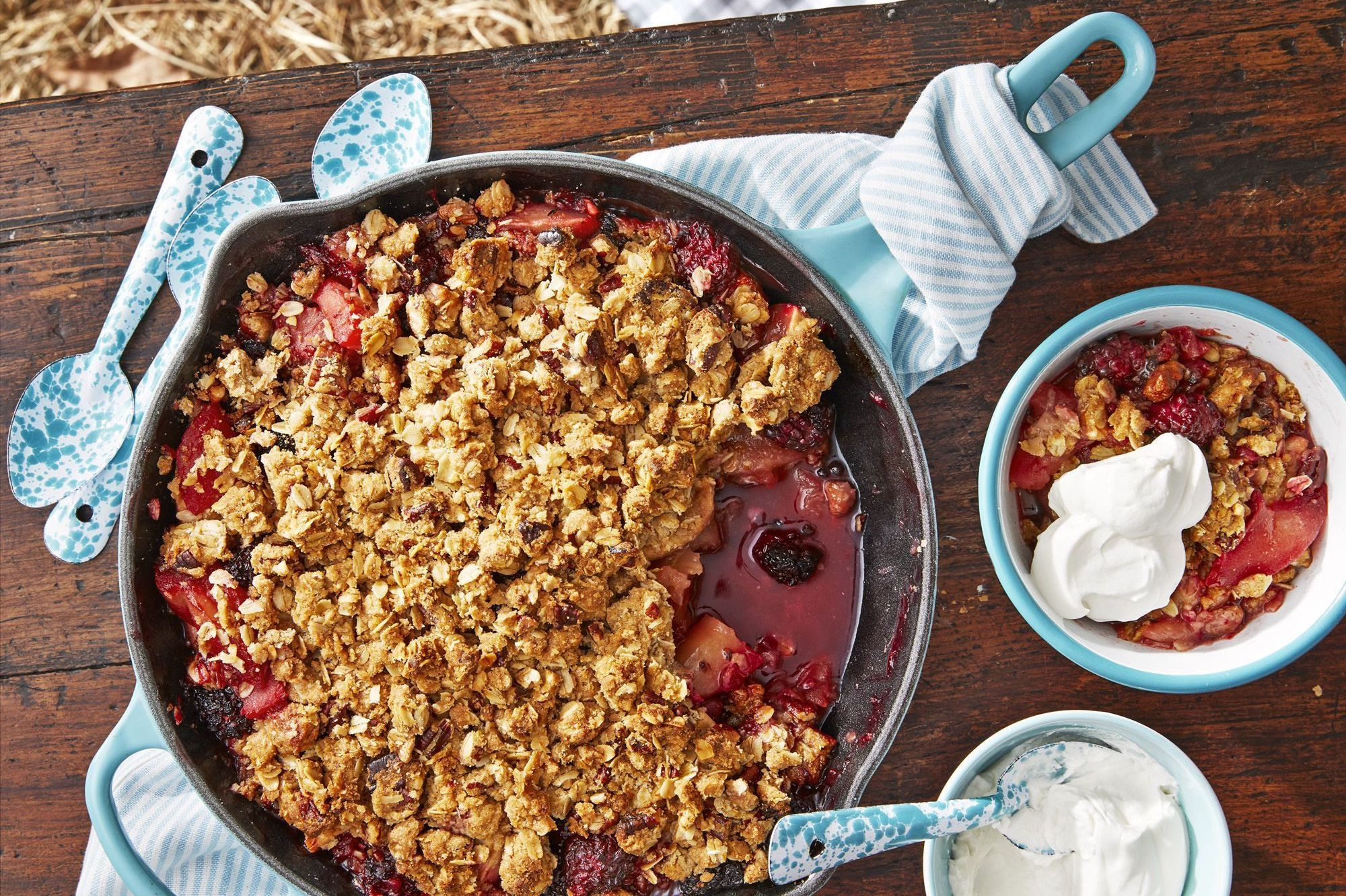 thanksgiving desserts cast-iron apple-blackberry crumble recipe