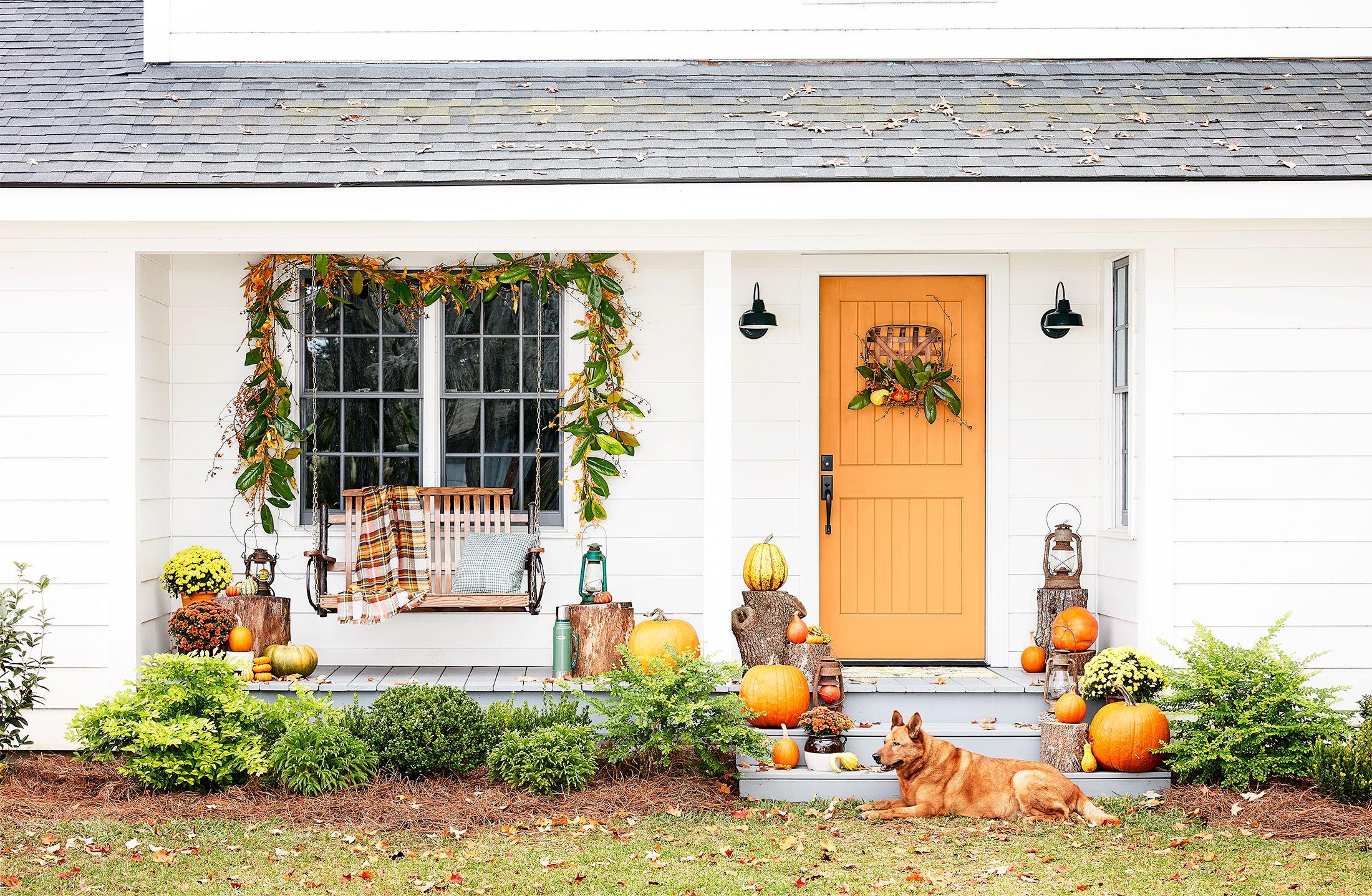 32 Best Thanksgiving Door Decor   Outdoor Fall Decorating Ideas