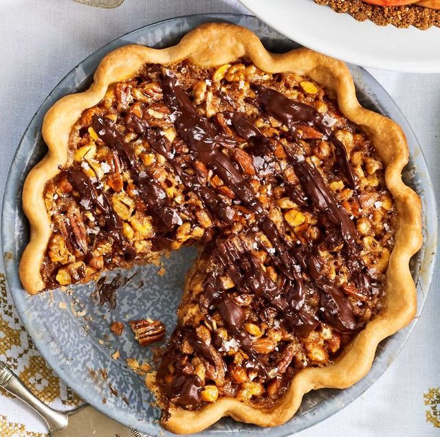 thanksgiving pies maple nut