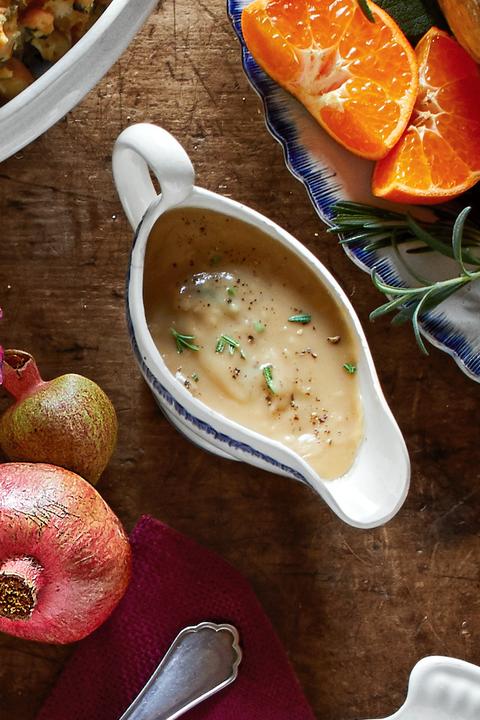 thanksgiving recipes white wine rosemary gravy