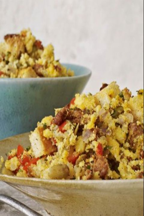 thanksgiving-stuffing-cornbread-and-chorizo-stuffing